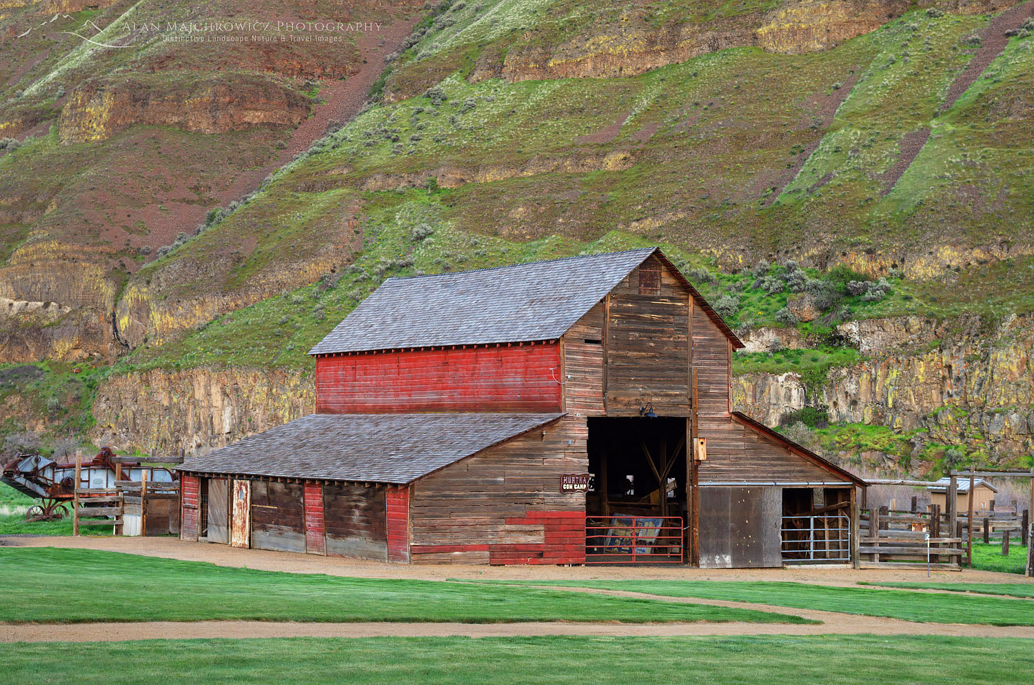 Red Barn Cottonwood Canyon State Park Oregon