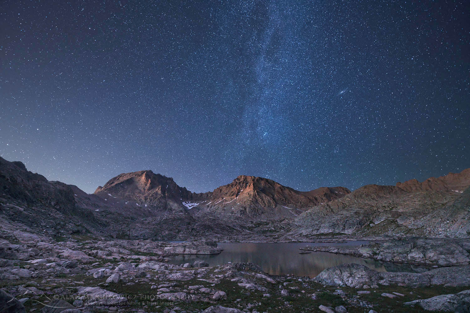 Milky way over Wind River Range wyoming